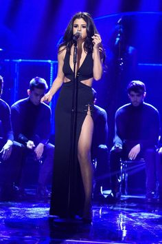 Pin for Later: Selena Gomez's Sexy SNL Dress Is the Type You Definitely Won't Forget