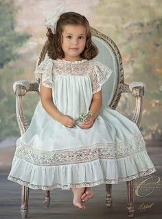 Robe Heirloom Tessa avec French Lace Flutter manches, corsage et volant Heirloom Dress Tessa with French Lace Flutter Sleeves, Bodice and Ruffle Robe Heirloom Tessa avec French Lace Flutter manches, corsage et volant Little Girl Outfits, Little Girl Fashion, Kids Outfits, Kids Fashion, Girls Dresses, Flower Girl Dresses, Dresses For Children, Christening Gowns, Communion Dresses