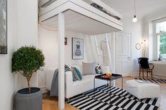 Garsonieră cu pat suspendat | Jurnal de design interior
