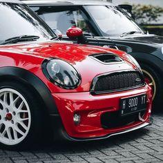 Girly Car, Mini Cooper S, Future Car, Car Accessories, Beetles, Paper Crafts, Cars, Diy, Sport Cars