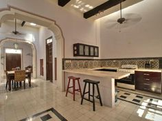 Yucatan Real Estate : ELEGANT COLONIAL HOME. Yucatan Best Living house for sale. Great website. Amazing houses to buy in Merida Mexico.