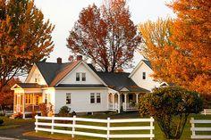 Autumn farmhouse... I want one.