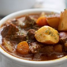 Must Try Recipes Fast, easy, and delicious, this easy Instant Pot Beef Stew cooks up in just an hour and tastes like its been simmering slowly all day long! It is the perfect easy Instant Pot recipe and comfort food for chilly winter evenings! Best Instant Pot Recipe, Instant Pot Dinner Recipes, Instant Pot Beef Stew Recipe, Instant Pot Pot Roast, Recipes Dinner, Instant Pot Meals, Comfort Food, Instant Pot Pressure Cooker, Pressure Cooking