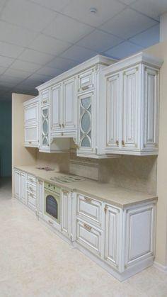 Diy Furniture Kitchen Pantry - New ideas Classic Kitchen Cabinets, Kitchen Cabinets Decor, Home Decor Kitchen, Kitchen Interior, Classic Home Furniture, Home Decor Furniture, Kitchen Furniture, Level Design, Küchen Design