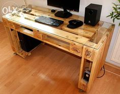 Are you struggling in finding ideas to build your own DIY computer desk? Because we have compiled a list of 50 Favorite DIY Computer Desk Design Ideas and Decor from… Continue Reading → Pallet Desk, Wooden Pallet Furniture, Wooden Pallets, Diy Furniture, Furniture Projects, Pallet Tables, Outdoor Furniture, Antique Furniture, Pallet Couch