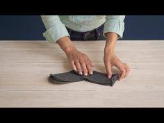 Cómo doblar calcetines con el método Marie Kondo - YouTube Declutter, Home Projects, Organization, Storage, Tips, Fold Bed Sheets, Clothing Organization, Laundry Closet, Perfect Wardrobe