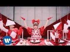 「もったいないとらんど」 2013年11月6日発売 話題のauTVCMソング最高にファンタジーなミュージックビデオ!! 【配信情報】 「もったいないとらんど」 着うたフル®、PC/スマホ・シングル配信中! <レコチョク> http://recochoku.com/kyarypamyupamyu/ <iTunes®...