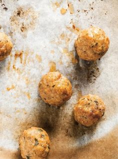 Boulettes de veau quatre usages - girls loved them Veal Recipes, Hamburger Meat Recipes, Meatball Recipes, Cooking Recipes, Veal Meatballs Recipe, Minced Meat Recipe, Confort Food, Ricardo Recipe, Courge Spaghetti