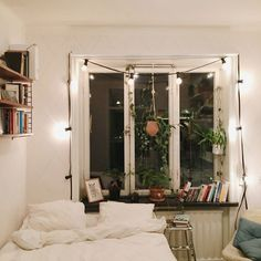 Find your favorite Minimalist living room photos here. Browse through images of inspiring Minimalist living room ideas to create your perfect home. Dream Rooms, Dream Bedroom, Home Bedroom, Bedroom Decor, Bedrooms, Modern Bedroom, Aesthetic Rooms, Home And Deco, Bedroom Inspo