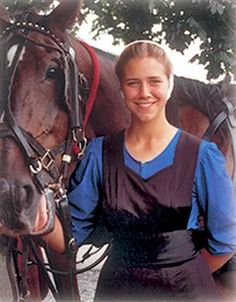 Amish Family - A young lady with a draft horse. Amish Family, Amish Farm, Amish Country, Ontario, Amish Culture, Amish Community, People Around The World, Beautiful People, Horses