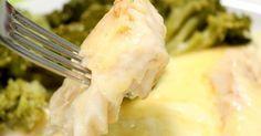 Prático para o dia a dia e ideal para fugir dos pratos tradicionais, confira passo a passo de como fazer prato delicioso de tilápia ao molho branco. O tempo de preparo é de 40 minutos. Veja também Filé de peixe ao molho de 4 queijos Receita de ceviche imperdível Conf