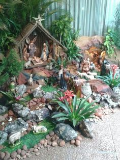 - Happy Christmas - Noel 2020 ideas-Happy New Year-Christmas Christmas Crib Ideas, Church Christmas Decorations, Christmas Projects, Christmas Home, Christmas Holidays, Diy Nativity, Christmas Nativity Scene, Christmas Villages, Nativity Scenes