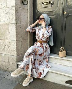 Hijab Fashion Summer, Modest Fashion Hijab, Modern Hijab Fashion, Street Hijab Fashion, Muslim Women Fashion, Modesty Fashion, Hijab Fashion Inspiration, Islamic Fashion, Abaya Fashion