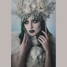 Photography: @martina_spoljaric_photography Model/MUA/Wig: @obsidiankerttu Headdress/Chestpiece: @hysteriamachine #handmade #queen #creative #photography #dark #darkbeauty #alternative #masqueradeball #fantasy #dressup #alternativefashion #goth #gothic #gothgirl #altgirl #skull #skulls #skeleton #lace #feathers #pale
