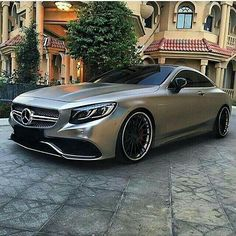 Matte grey Mercedes-Benz AMG Coupe 😍 -- Photo by Mercedes Auto, Sexy Cars, Hot Cars, Allroad Audi, Carl Benz, Automobile, Pt Cruiser, Bugatti Cars, Amazing Cars