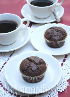 muffins, chocolat noir, fleur de sel, yogourt.
