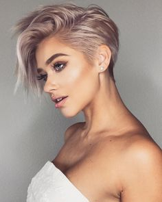 Very Short Haircut for Female, 2019 Short Pixie Haircuts and Hairstyles haircut ideas 10 Trendy Very Short Haircuts for Female, Cool Short Hair Styles 2019 Very Short Haircuts, Short Hairstyles For Girls, Trendy Haircuts For Women, Cute Pixie Haircuts, Pixie Haircut Styles, Edgy Haircuts, Stylish Haircuts, Pixie Styles, Trending Haircuts