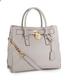 I need this bag in my life. I have been looking for it ever since I saw it and didn't buy it.