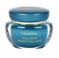 Phyris – HYALURON SENSATION CAPS Die kleine Intensiv-Pflege-Kapsel mit konzentriertem Hyaluron bewirkt Großes: Sie glättet die Haut sofort sichtbar und versorgt sie unübertroffen schnell mit Feuchtigkeit. Selbst deutliche Trockenheitsfältchen werden durch die Extraportion Feuchtigkeit von innen aufgepolstert und verschwinden optisch. Die Haut sieht innerhalb weniger Minuten frischer, praller und ebenmäßiger aus. Gesehen um € 36,-