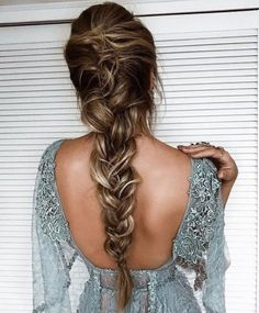 80 pretty braid hairstyles you should try now fishtail braid hairstyles hairstyle ideas updo messy updohairstye ponytail hairdown longhairstyle so funktioniert der messy fishtail braid Pretty Braided Hairstyles, Fishtail Braid Hairstyles, Romantic Hairstyles, Box Braids Hairstyles, Messy Hairstyles, Hairstyle Ideas, Fishtail Braid Wedding, Messy Fishtail Braids, Hairstyle Tutorials