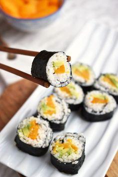 - Peach Avocado Sushi Rolls With Teriyaki Sauce (vegan) Peach Avocado Sushi Rolls With Teriyaki Sauce – easy to make, vegan maki with a quick, healthier homemade teriyaki sauce – a nice savory and sweet combo Veggie Sushi Rolls, Sushi Roll Recipes, Vegetarian Sushi Rolls, Homemade Sushi Rolls, Avocado Rolls Sushi, Best Sushi Rolls, Mango Sushi, Fruit Sushi, Sushi Sushi