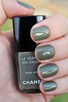 Chanel khaki nail polish