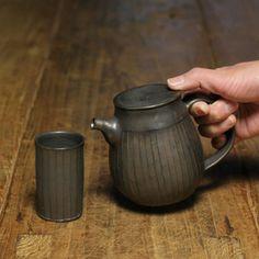 Norikazu Oe Ceramics Pottery Teapots, Ceramic Teapots, Ceramic Pottery, Pottery Art, Ceramic Art, Teapot Design, Ceramic Design, Japanese Ceramics, Japanese Pottery