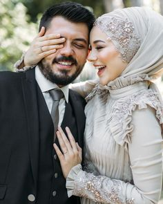 You will find different rumors about the real history of the marriage dress; tesettür First Narration; Hijabi Wedding, Muslimah Wedding Dress, Muslim Wedding Dresses, Cute Muslim Couples, Romantic Couples, Wedding Couples, Muslim Girls, Wedding Couple Poses Photography, Marriage Dress