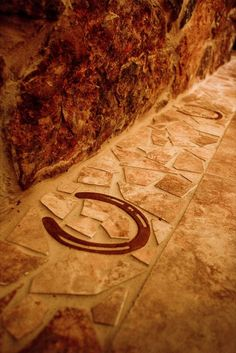 Horse shoe inside the mosaic tile, just awesome!