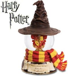 Harry Potter themed Gryffindor water or snow globe. LOVE, love, Love this!  #harrypotter #snowglobes