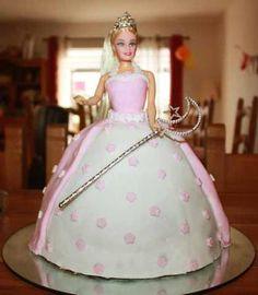 Gâteau princesse, Recette par Manieredepatissiere - Ptitchef Bolo Barbie, Barbie Cake, Barbie Dress, Doll Birthday Cake, Girl Birthday Themes, Princess Birthday, Birthday Ideas, Prince Cake, Dress Cake