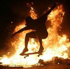 To the skater kid from school: pls stfu. Retro Aesthetic, Aesthetic Grunge, Bmx, Watch The World Burn, Skate And Destroy, Skater Boys, Skateboards, Longboarding, Surfing