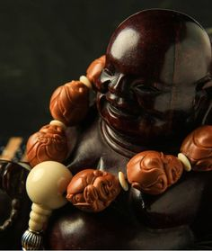 Maitreya - the future Buddha can bring people good fortune harmony of the gas to pray for a better tomorrow blessing Buddha. Tomorrow Will Be Better, Stone Carving, Hand Carved, Buddha, Bring It On, Embroidery, Facebook, Blessing, Pray