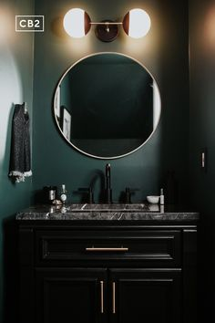 Dark Green Bathrooms, Dark Green Rooms, Green Room Colors, Navy Blue Bathroom Decor, Bathroom Green, Purple Rooms, White Bathrooms, Bathroom Paint Colors, Luxury Bathrooms