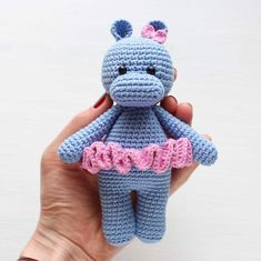 This cute crochet cow amigurumi is super soft and huggable! Create a friendly crochet cow using our step-by-step Cuddle Me Cow Amigurumi Pattern.Cuddle Me Hippo amigurumi pattern – Amigurumi Today: Create your own lovely crochet hippo with our step Crochet Elephant Pattern, Crochet Hippo, Crochet Animal Patterns, Crochet Patterns Amigurumi, Stuffed Animal Patterns, Crochet Dolls, Amigurumi Free, Amigurumi Doll, Crochet Projects