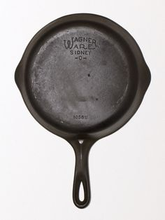 """8"""" vintage Wagner No. 6 Skillet (from the mid 30's to late 50's) fully cleaned and restored to bare iron. Ready to be seasoned 