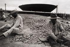 Luiz Carlos Barreto: Construção de Brasília - Coleção Pirelli / MASP de Fotografia