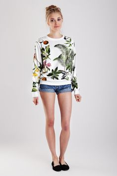 A bold botanical print elevates an everyday sweatshirt.