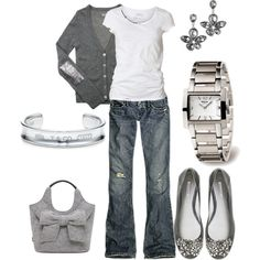 How to wear: heather gray casual outfit - love the bright metal paired with the soft textures Fashionista Trends, Look Fashion, Autumn Fashion, Fashion Outfits, Womens Fashion, Fasion, Net Fashion, Woman Outfits, Ladies Fashion
