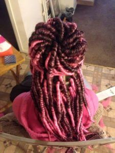 For your next new protective hairstyle, we're telling you how to do faux locs and showing our fave long and short faux locs styles using Marley hair and more. Curly Faux Locs, Faux Dreads, Faux Locs Styles, Curly Hair Styles, Natural Hair Styles, Curly Hair Ponytail, Faux Locs Hairstyles, Marley Hair, Beautiful Hair Color