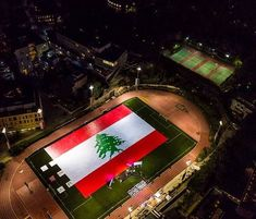 American Universty of Beirut AUB Students built a Lebanese flag made out of books that will be donated later to Lebanese public schools Lebanon Flag, Beirut Lebanon, Guinness World, World Records, Live Love, Public School, Making Out, Fair Grounds, History
