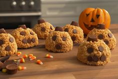 Did you know that you can mold warm Rice Krispies treats into all sorts of shapes? Ghosts, Goblins, even Jack-o'-Lanterns! We fashioned them into tiny beggars purses and hid leftover Halloween Candy inside. As if the classic marshmallow and cereal combo weren't enough, kids (and adults) will love the surprise they find inside. To make easy work on shaping the sticky mixture, use damp hands or lightly spray them with non-stick spray. These will keep, tightly wrapped at room temperature, for a ...