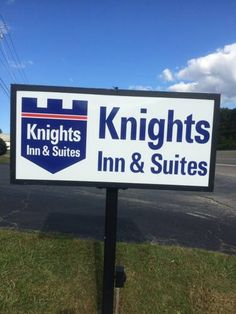 Knights Inn and Suites Anniston Oxford Anniston (Alabama) Featuring a continental breakfast, this Alabama hotel is located just 10 minutes' drive from Anniston historic city centre. Free WiFi is provided to all guests.