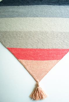 Laura's Loop: Colorblock BiasBlanket - The Purl Bee - Knitting Crochet Sewing Embroidery Crafts Patterns and Ideas!