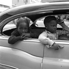 Vivian Maier     Chicago     Undated