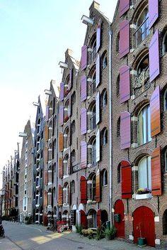 Amsterdam - Warenhuizen aan de Brouwersgracht