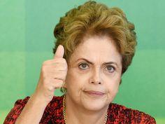 A presidente Dilma Rousseff, participa de reunião com membros da Frente Brasil Popular, no Palácio do Planalto, em Brasília (DF), na manhã desta quinta-feira (17)