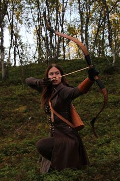 LARP costumeFemale archer about to take a shot » LARP costume