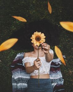 New photography inspiration portrait tips Ideas Girl Photography Poses, Creative Photography, Tumblr Photography Hipster, Hippie Photography, Vintage Photography, Tumblr Aesthetic Photography, Tumblr Photography Instagram, Fashion Photography, Perspective Photography