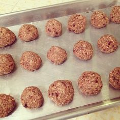 Not a Raw Deal: 7 Recipes for Healthy Cookie Dough Bites Healthy Cookie Dough, Raw Cookie Dough, Healthy Desserts, Healthy Recipes, Healthy Meals, Healthy Food, Meatless Meatballs, Ovo Vegetarian, Thing 1
